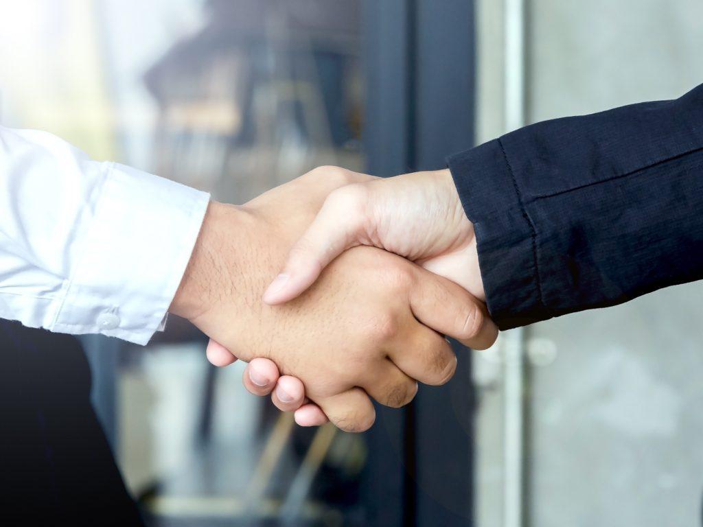 handshake-H5ASXQ2