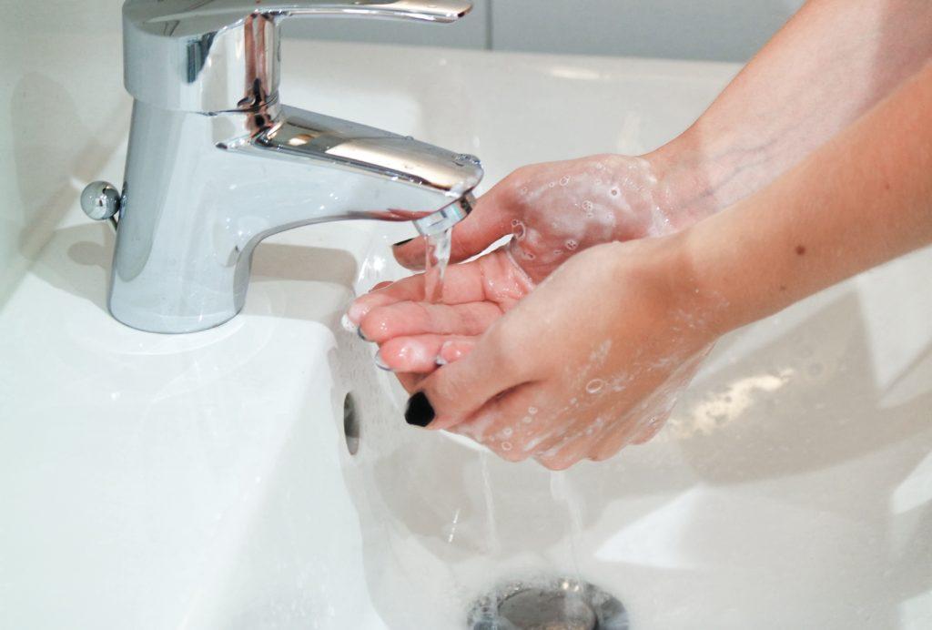 washing-hands-D7AHQX5